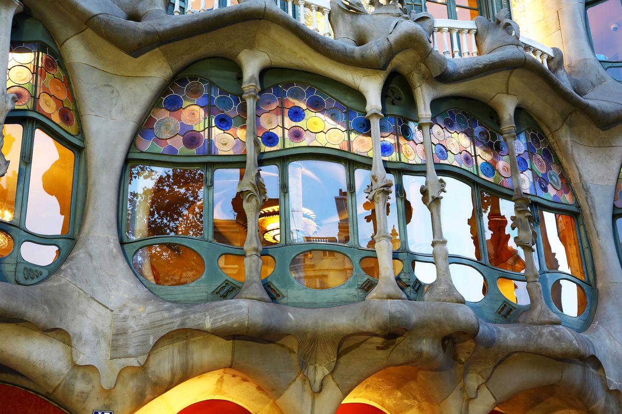 Casa Bas Batlló, a masterpiece by famous architect Antoni Gaudi.