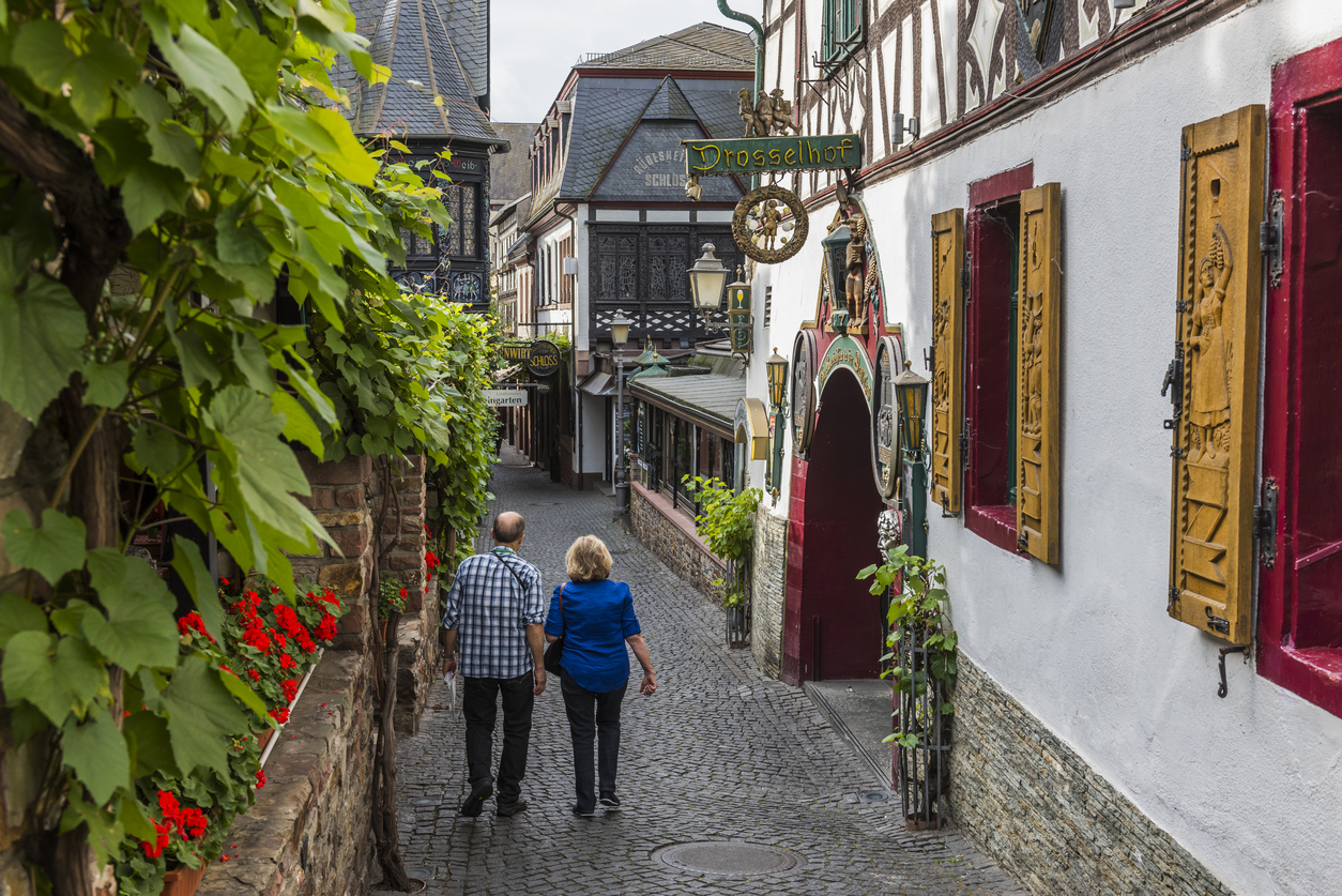 Rudesheim, near the river Rhine, Drosselgasse