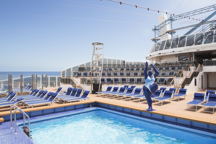 MSC Meraviglia, Horizon Amphitheatre and Horizon Pool